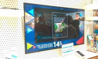 endustriyel reklam monitorleri