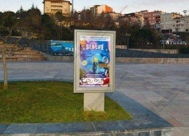 İnce Ayaklı Sabit Posterli Raket CLP Pano